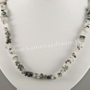 Skoryl v krištáli - sekaný náhrdelník