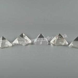 Pyramída krištáľ 2-2,5cm