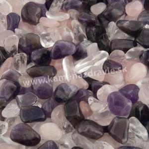 Zmes minerálov - krištáľ, ruženín, ametyst