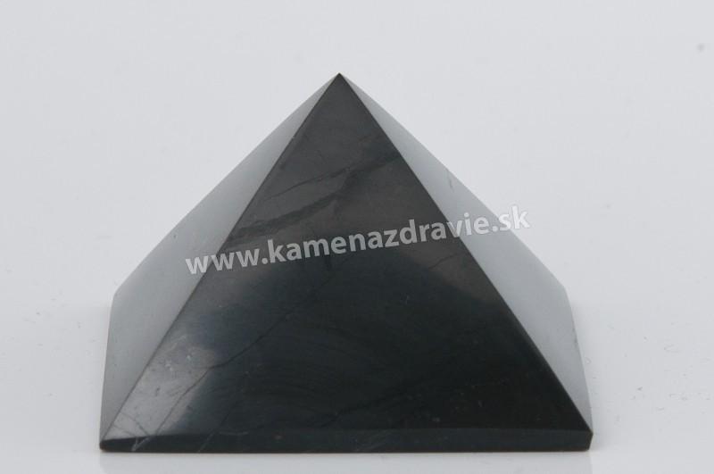 Šungit pyramída 10cm